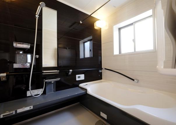 水廻りのリフォームは「築年数」を目安に~台所や洗面台、トイレ、お風呂の見えない劣化について~